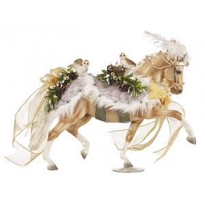 """Breyer """"Winter Wonderland 20147 hest  julepynt. Håndmalet julepynt fra Breyer"""